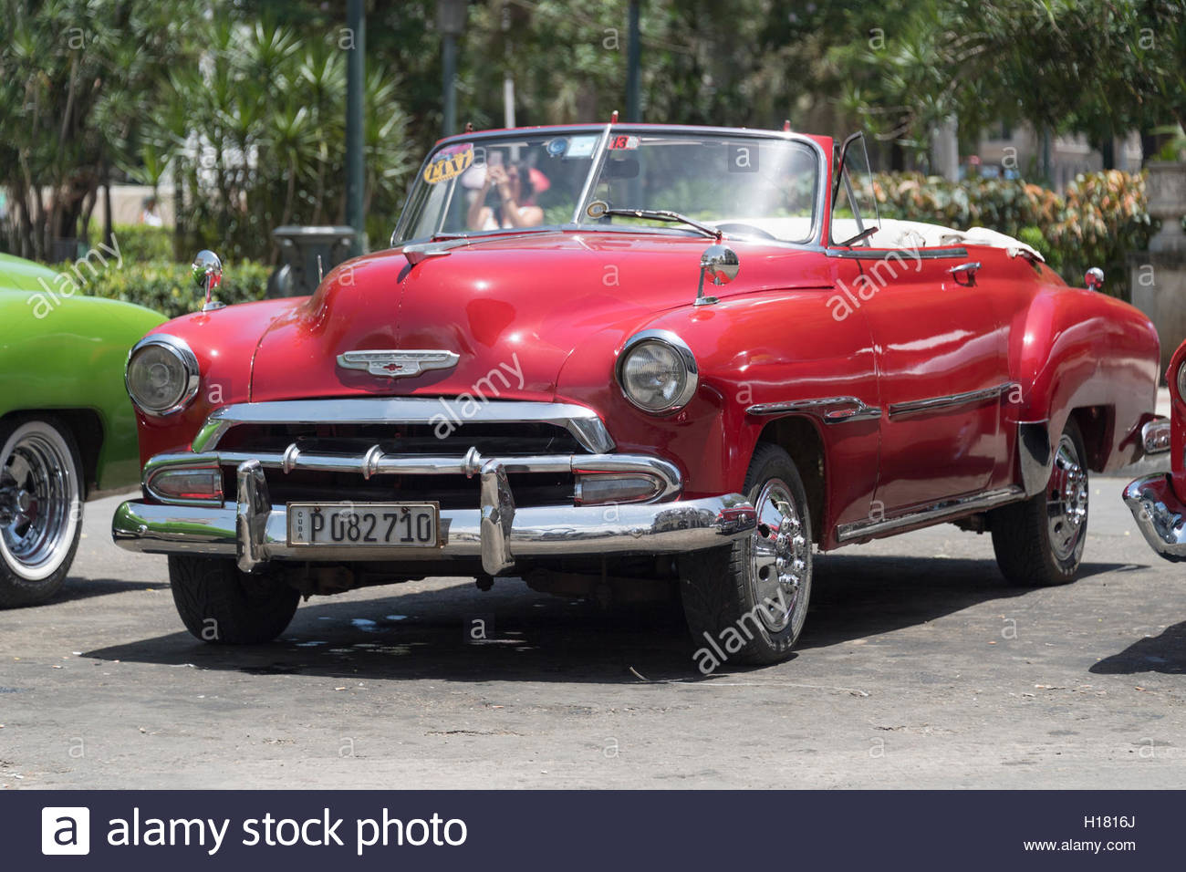 Old classic American cars working as tourist taxi in Old Havana ...