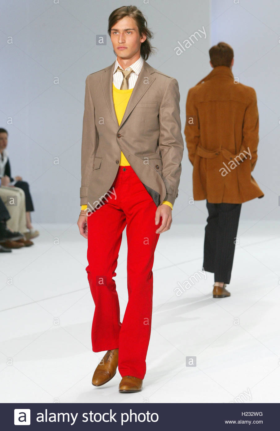 designer of givenchy 5q7f  Model presents creation by British designer Oswald Boateng for Givenchy  men's Spring/Summer 2006 fashion