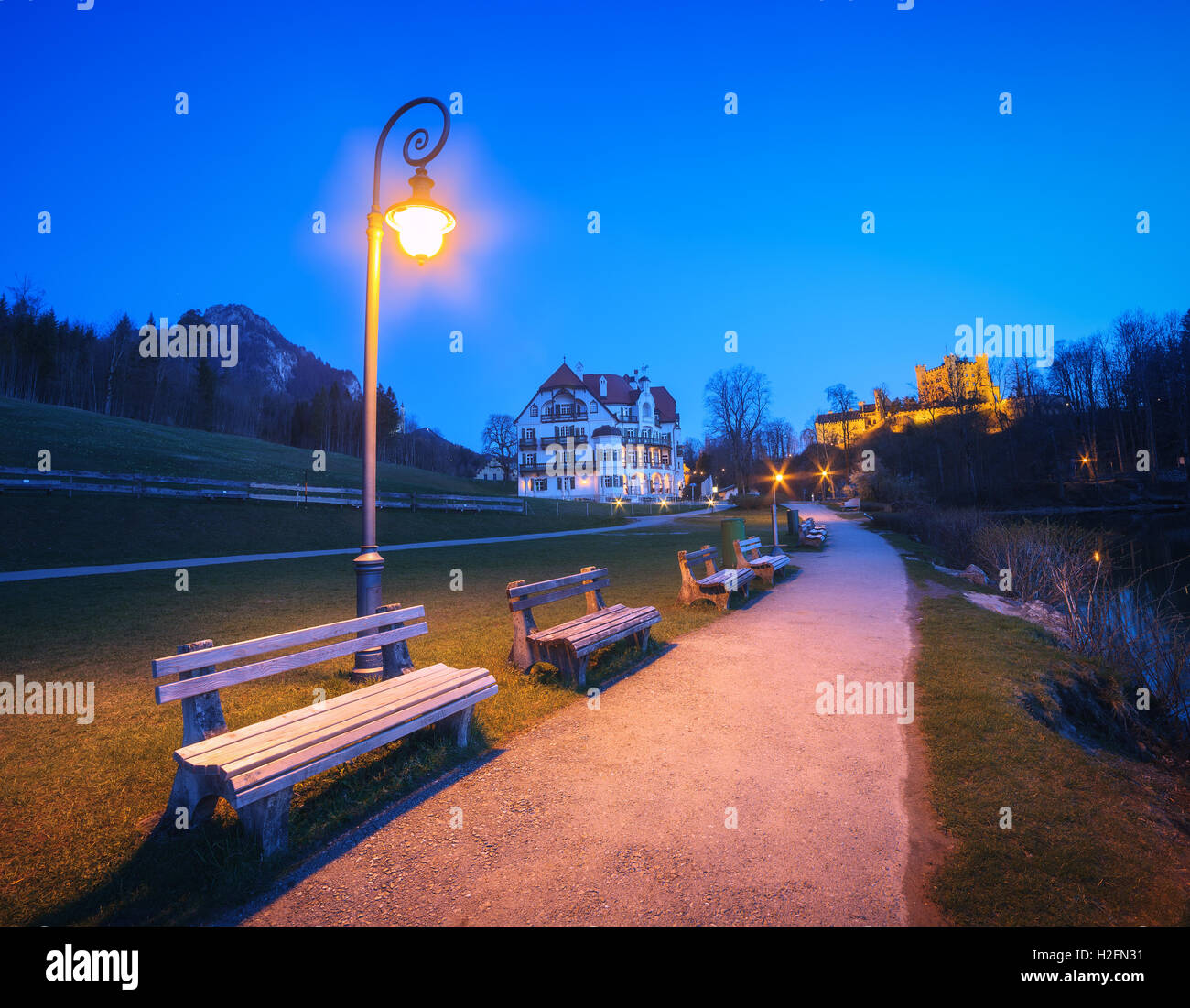 Night landscape with beautiful benches with street lamp at night ... for Road Lamp At Night  45hul