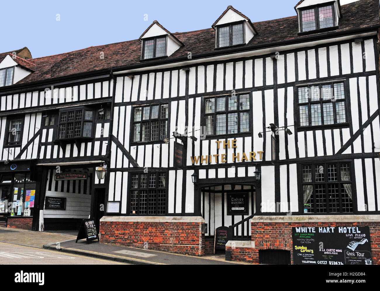 the white hart hotel st albans herts stock photo. Black Bedroom Furniture Sets. Home Design Ideas