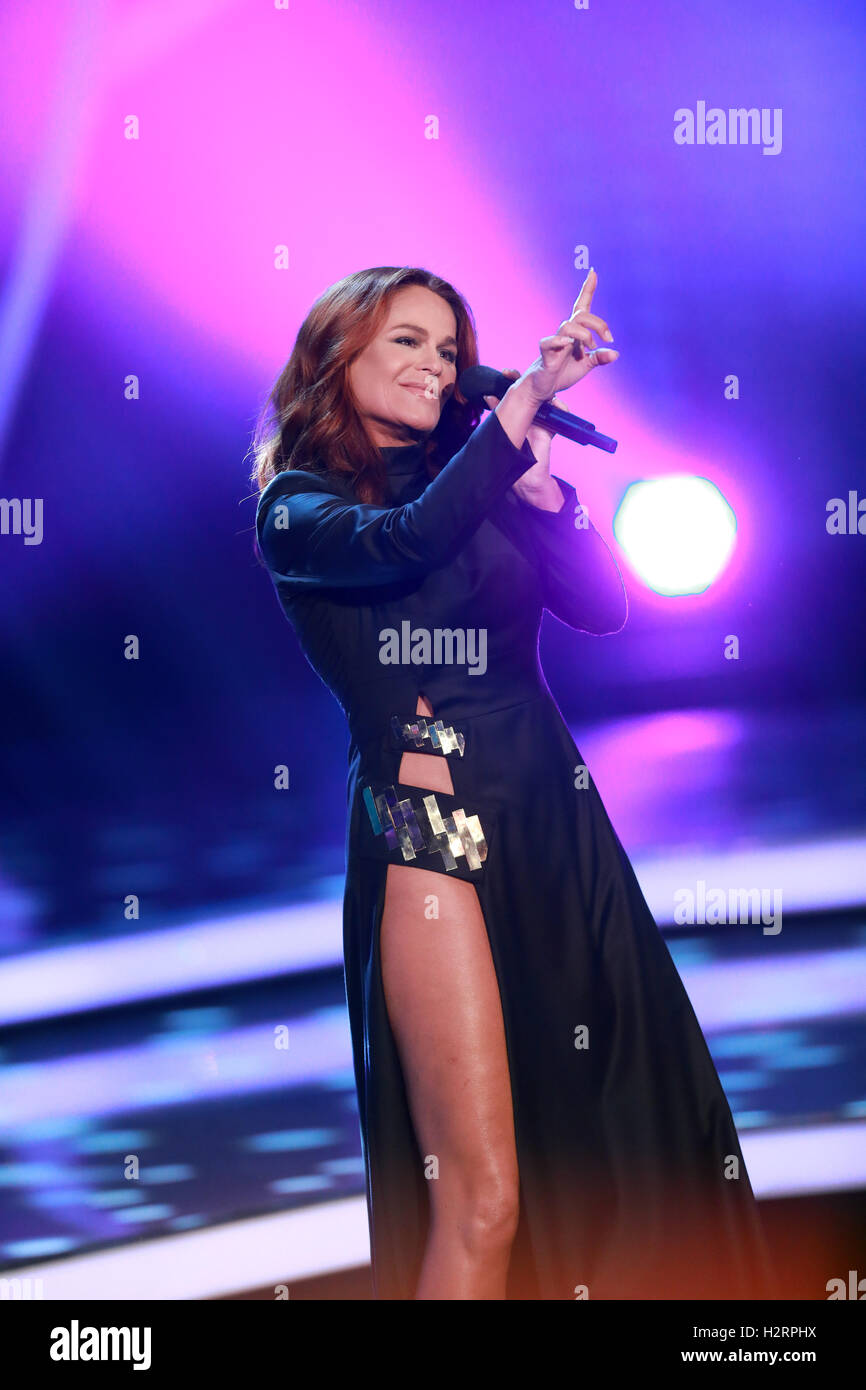 Andrea berg 2016 hd image free - 01st Oct 2016 Andrea Berg On The Zdf Show