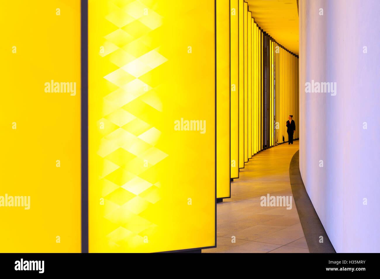 The Fondation Louis Vuitton, Bois de Boulogne, Paris, France. Art ...