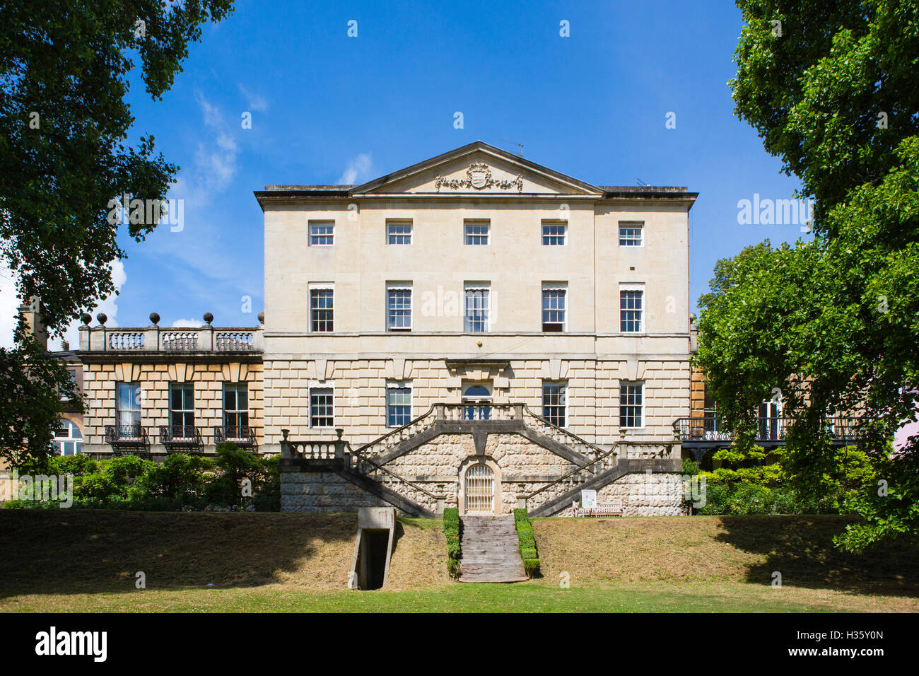 Wonderful Stock Photo   The University Of Bristol Gardens And Buildings In The Centre  Of The City