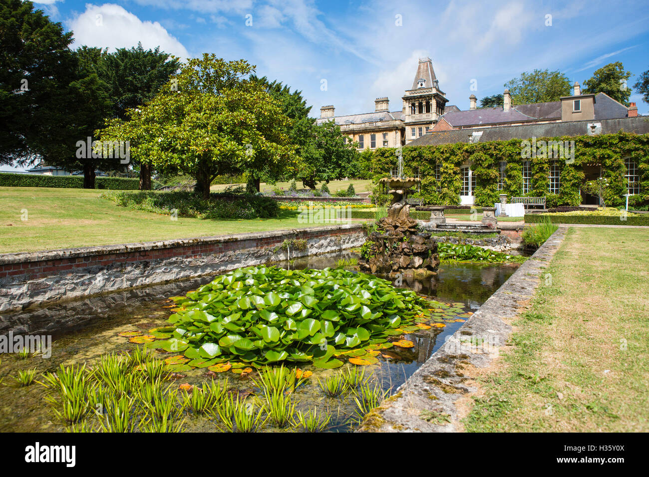Marvelous Stock Photo   The University Of Bristol Gardens And Buildings In The Centre  Of The City