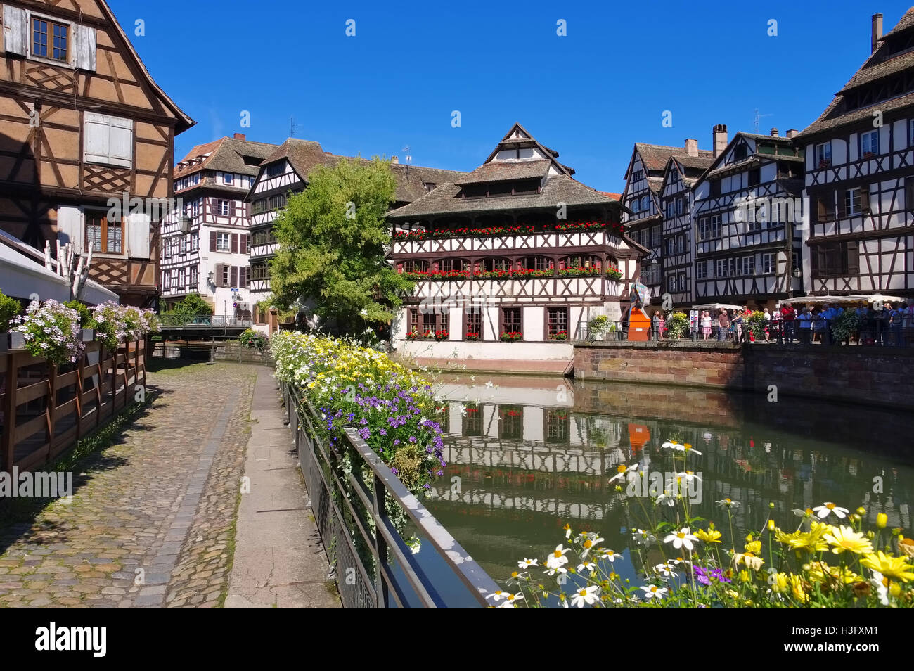 strassburg petite france im elsass frankreich strasbourg petite stock photo royalty free. Black Bedroom Furniture Sets. Home Design Ideas