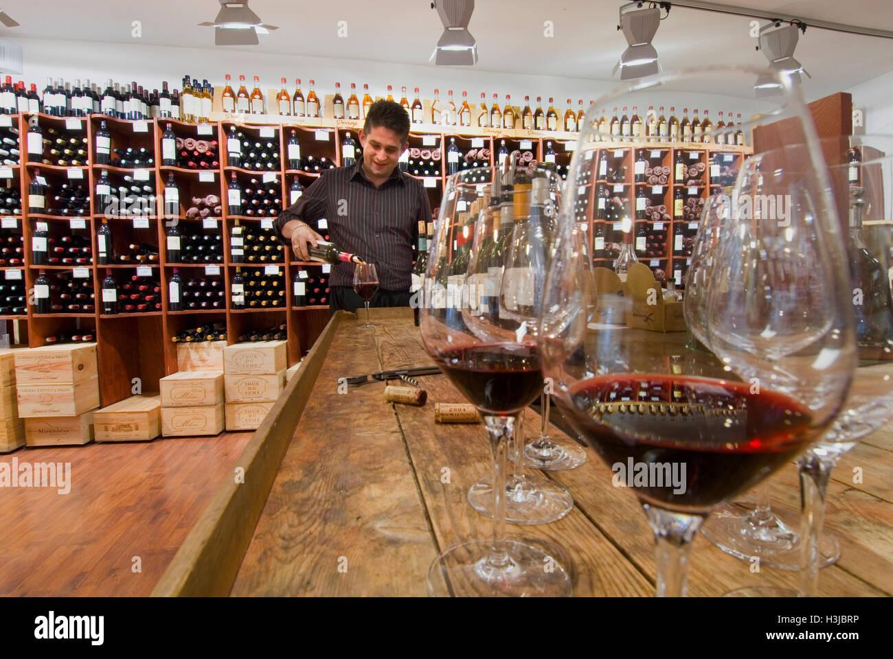 wine tasting shop benoit gaillard in 39 bordeaux classique. Black Bedroom Furniture Sets. Home Design Ideas