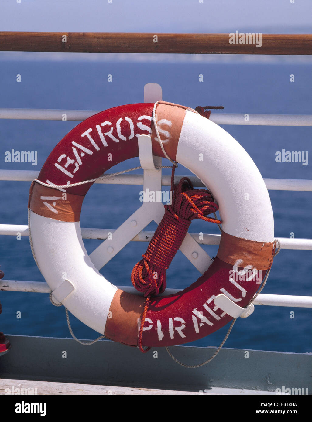 Ship Rail Detail Lifebelt Cruise Cruise Ship Rescue Tyre - Cruise ship rescue