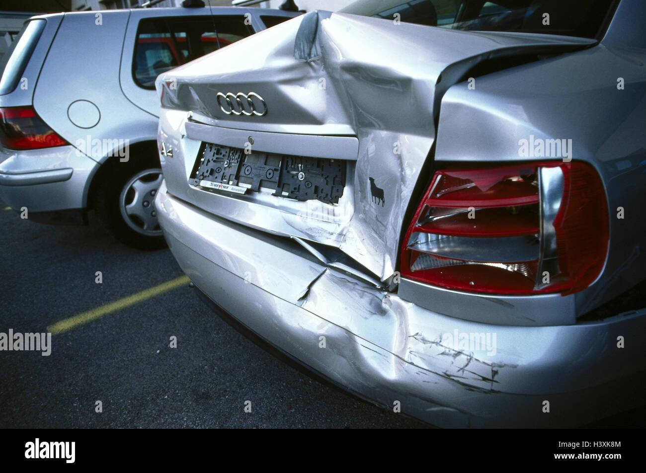 Parking Lot Ambulance Rear Damage Detail Audi A Accident - Audi car lot