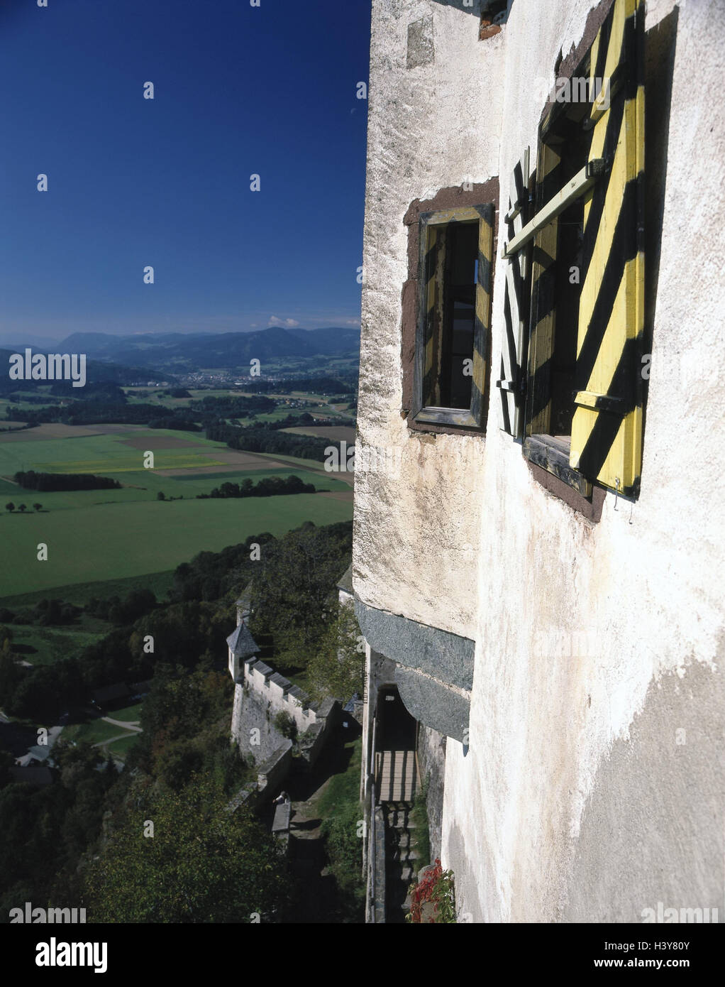 ... Scenery, Europe, Hill, Lime Rock, Bile, Castle, Castle Grounds,  Fortress, Structure, Building, Place Of Interest, Culture, Outside Wall, Outer  Wall, ...