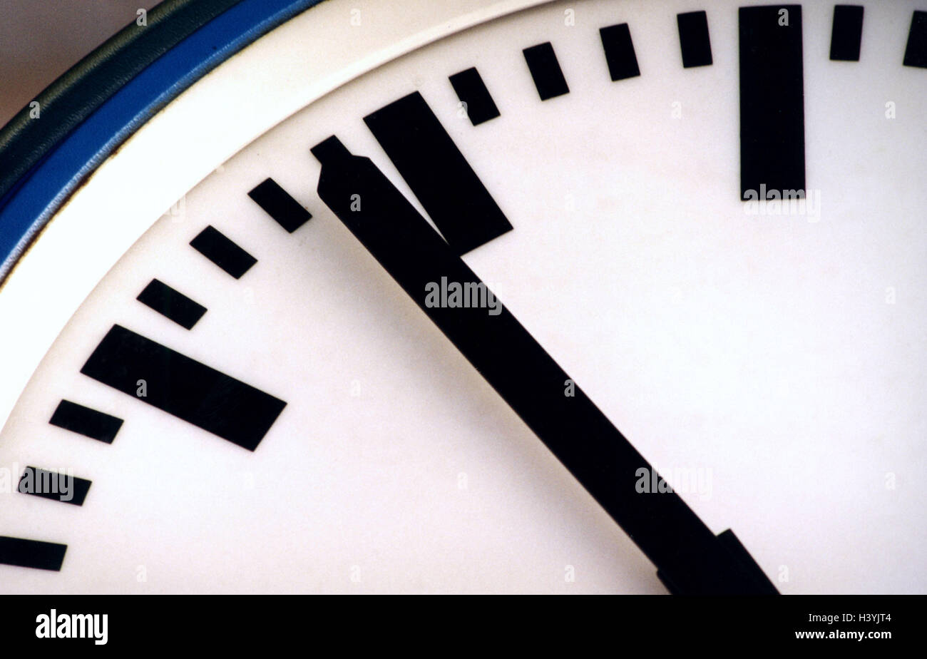 Wall clock digit leaves pointer close up clock time time wall clock digit leaves pointer close up clock time time time knife time time display time day nighttime still life product photography amipublicfo Image collections