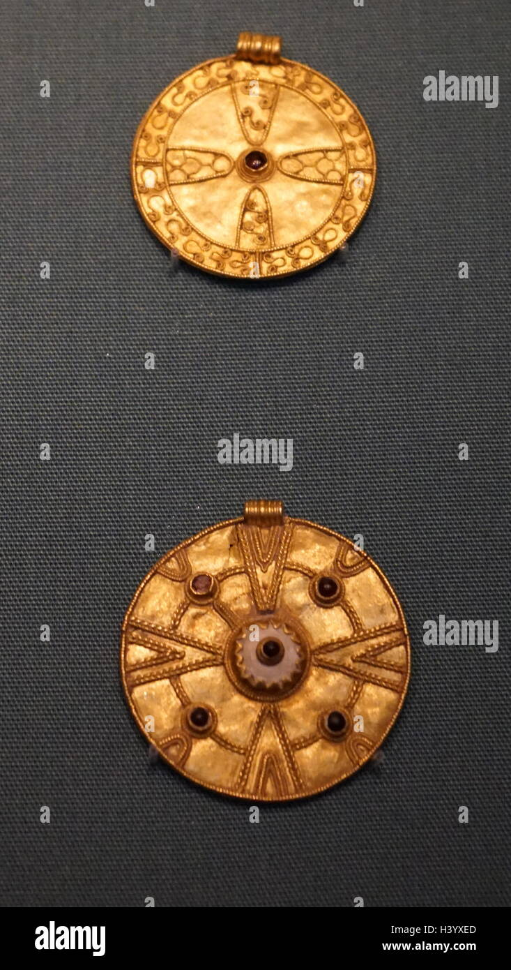 Anglo saxon fine gold buckles depicting early christian symbols anglo saxon fine gold buckles depicting early christian symbols dated 7th century buycottarizona Images