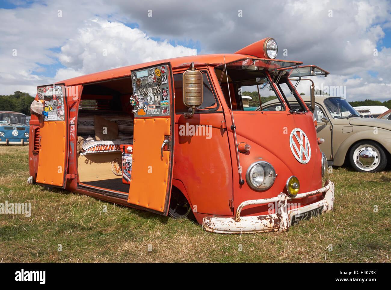 Open red barn doors - A Lowered Split Screen Vw Van With Open Barn Doors At The Viva