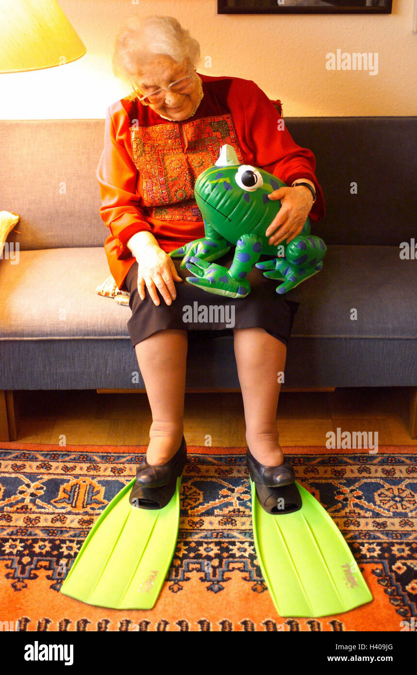 Superbe Sofa, Senior, Sit, Hold Swimming Animal, Frog, Fins, Old Peopleu0027s Home, At  Home, Woman, Old, Old Person, Pensioner, 75   85 Years, Only, Loneliness,  Moves, ...
