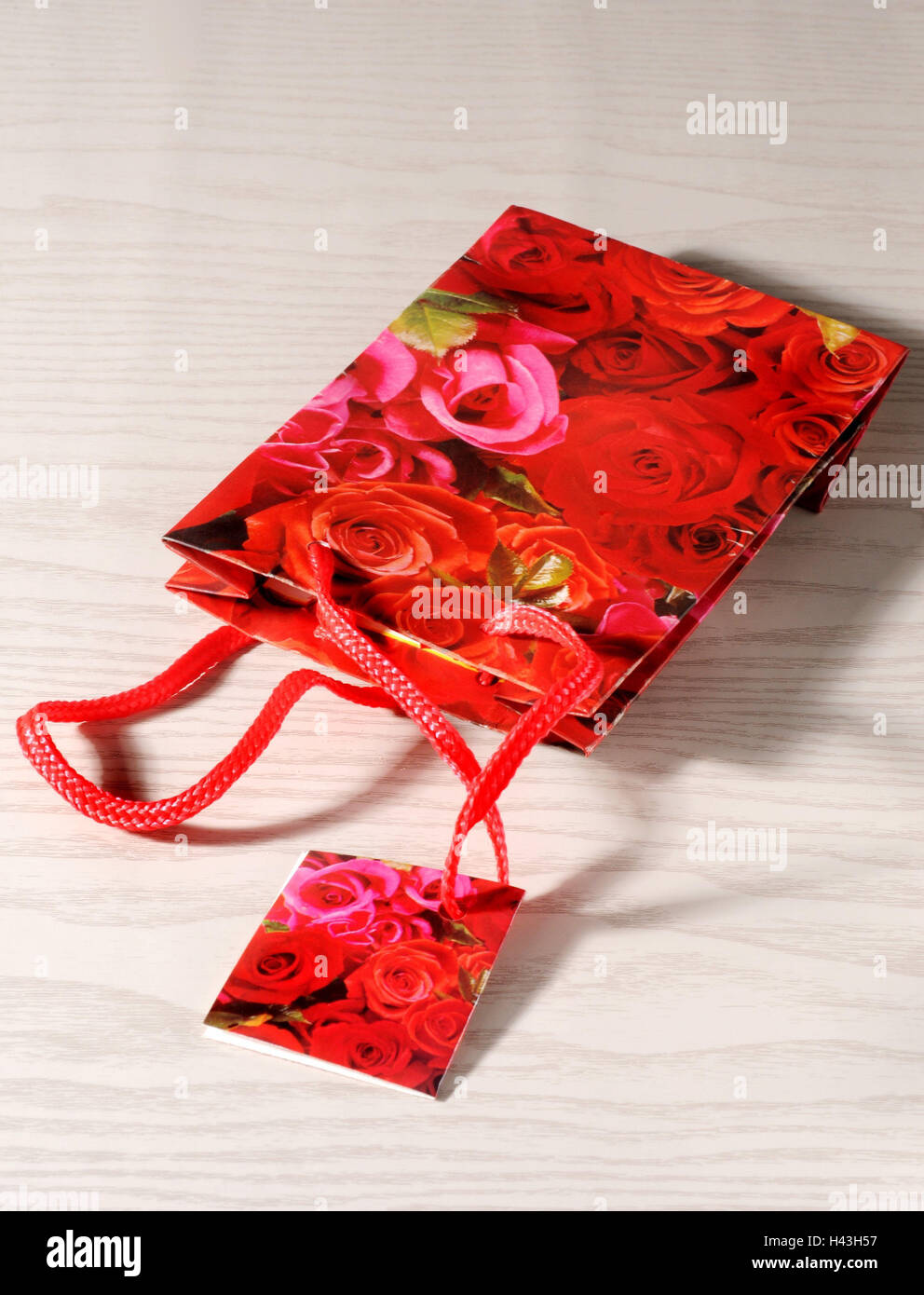 ... Gift Envelope, Carrier Bag, Pack, Roses, Floral Design, Red, Trailer,  Plays Cards, Conception, Present, Geburtsag, Valentinstag, Motheru0027s Day,  Studio,