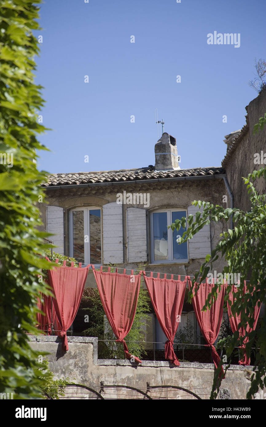France, Provence, Vaucluse, Luberon, House, Decoration, Curtains, Red,  South Eastern France, Village, Place, Local View, Houses, Buildings, ...
