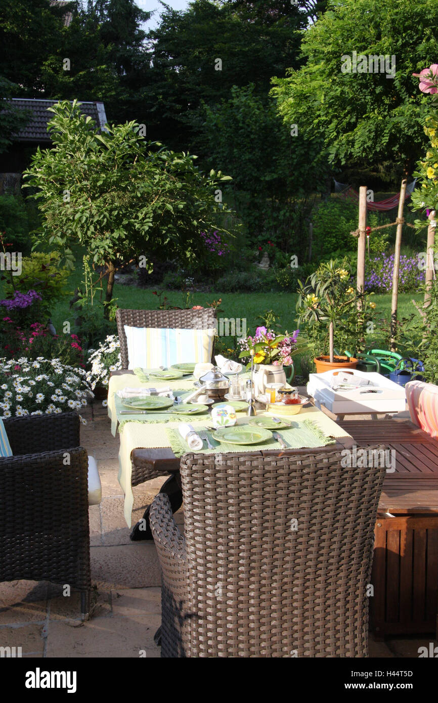 Garden, Idyllic, Table, Covered, Privately, Plants, Flowers, Terrace,  Outdoor Furniture, Seat Piece Furniture, Garden Chairs, Seat Group,  Outside, Deserted, ...