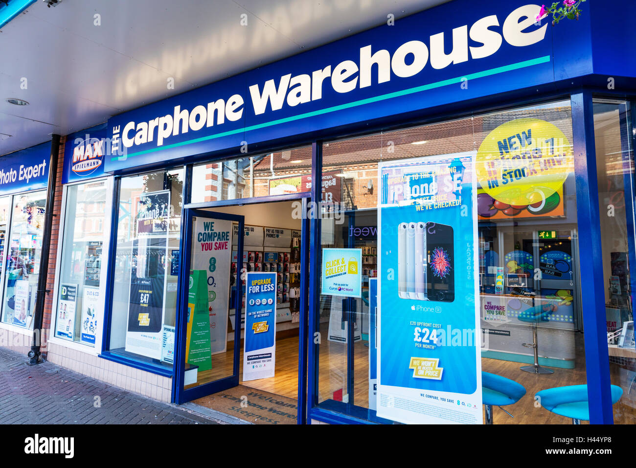 Carphone warehouse shop store front sign signs mobile for Shop on line mobili