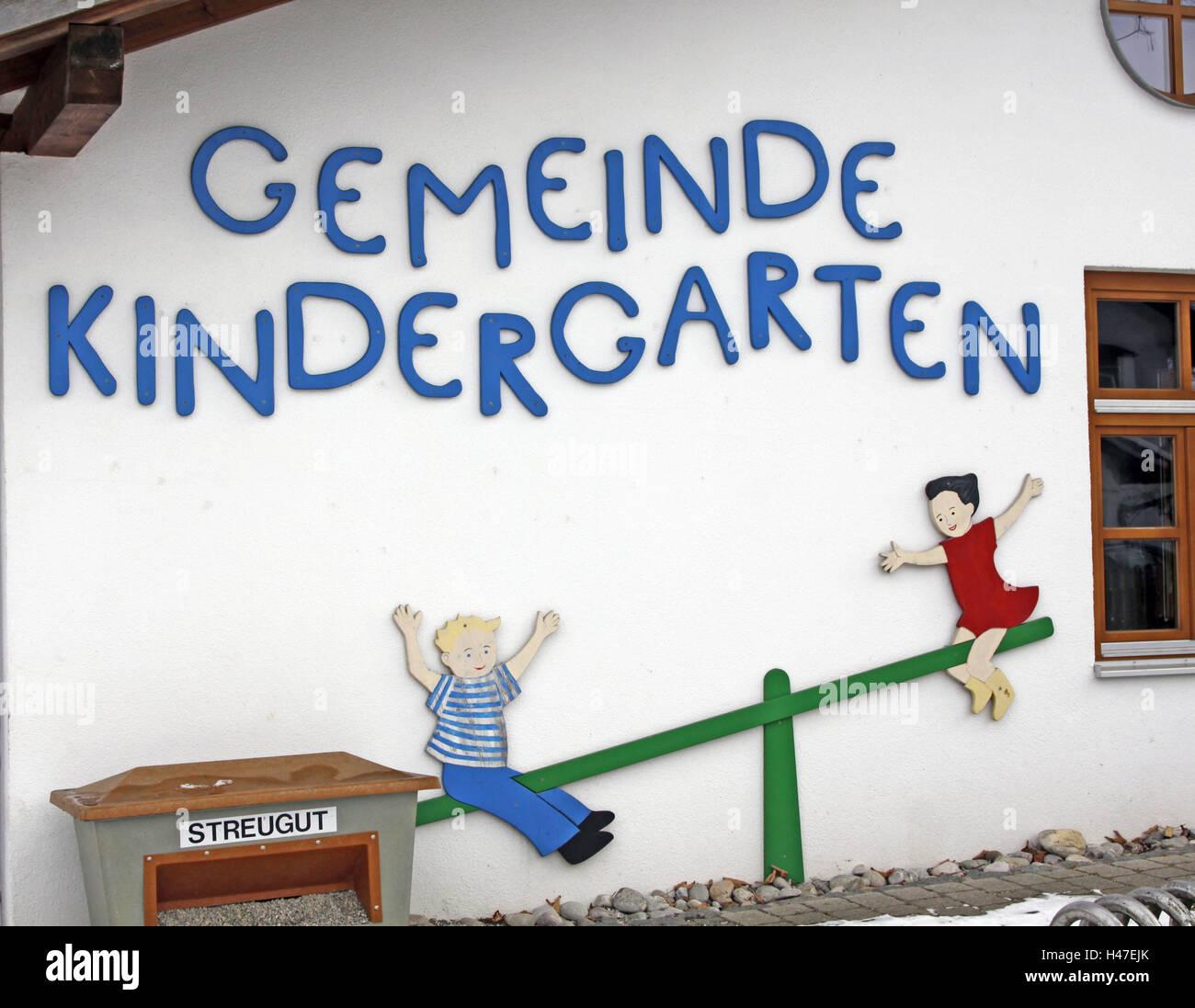 kindergarten wall painting stroke germany hoard care care