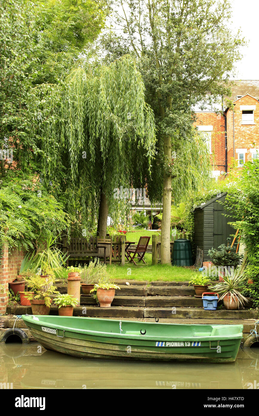 Great Britain, Oxford, Residential House, Garden, Channel, Landing Stage,  Boat, England, House, Meadow, Outdoor Furniture, Waterway, Waters, Oar  Boat, ...