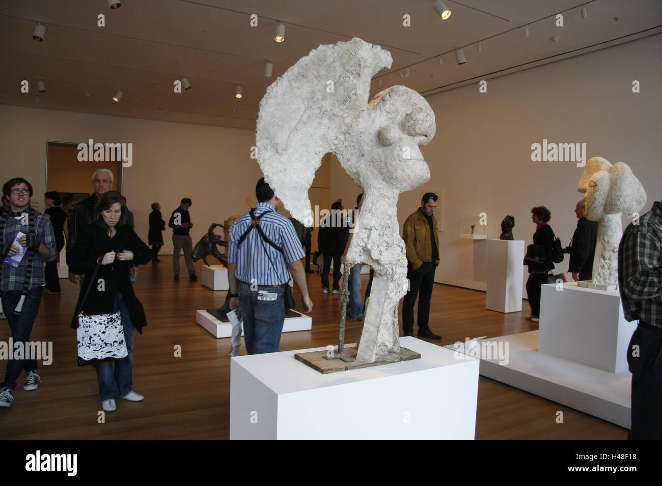 The USA New York City Museum Modern Art Exhibit Sculptures - Number of art museums in usa