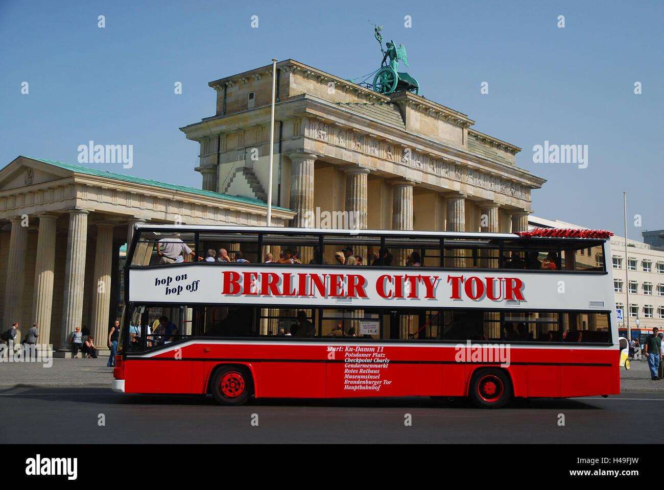 germany berlin the brandenburg gate sightseeing bus capital stock photo 123141057 alamy. Black Bedroom Furniture Sets. Home Design Ideas