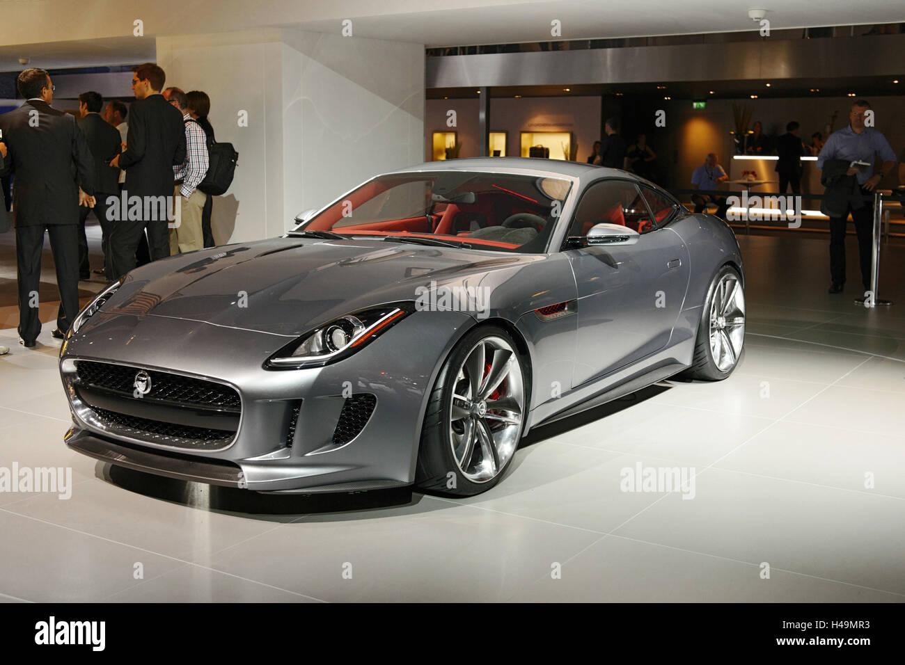 JAGUAR CX Concept Sports Cars International Motor Show Stock - Sports cars international