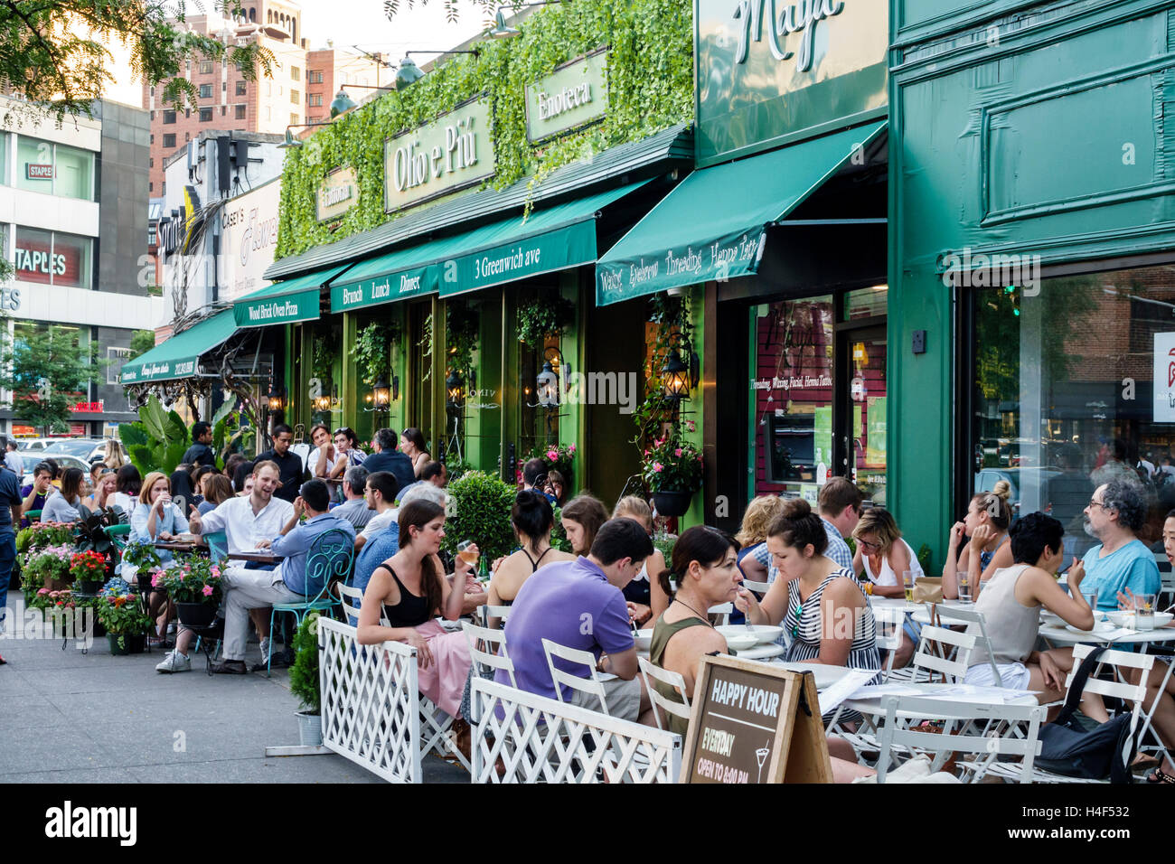 Crowded restaurant table - Manhattan New York City Nyc Ny West Village Olio E Piu Italian Restaurant Trattoria Sidewalk Alfresco