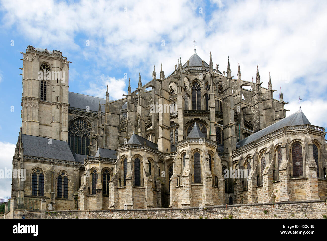 st julien cathedral le mans france stock photo 123599767. Black Bedroom Furniture Sets. Home Design Ideas