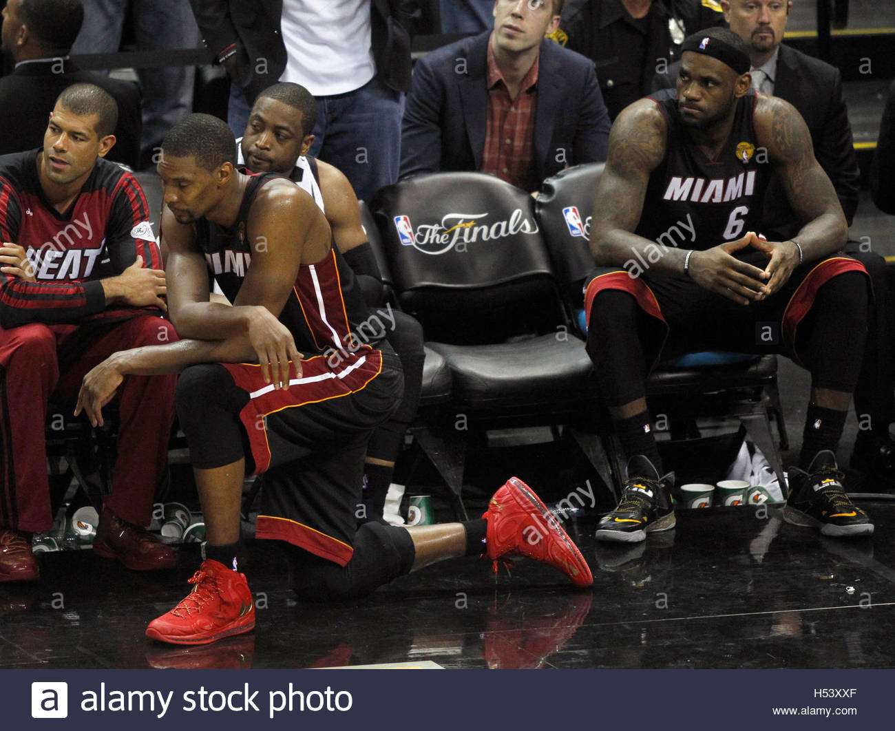 Mi miami heat team with lebron - Miami Heat Players L R Shane Battier Chris Bosh Dwyane Wade And Lebron