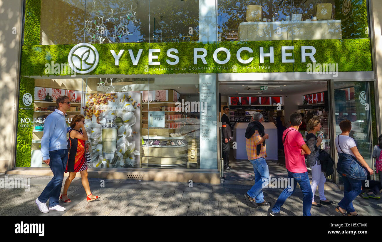 yves rocher shop on champs elysees in paris stock photo royalty free image 124135984 alamy. Black Bedroom Furniture Sets. Home Design Ideas