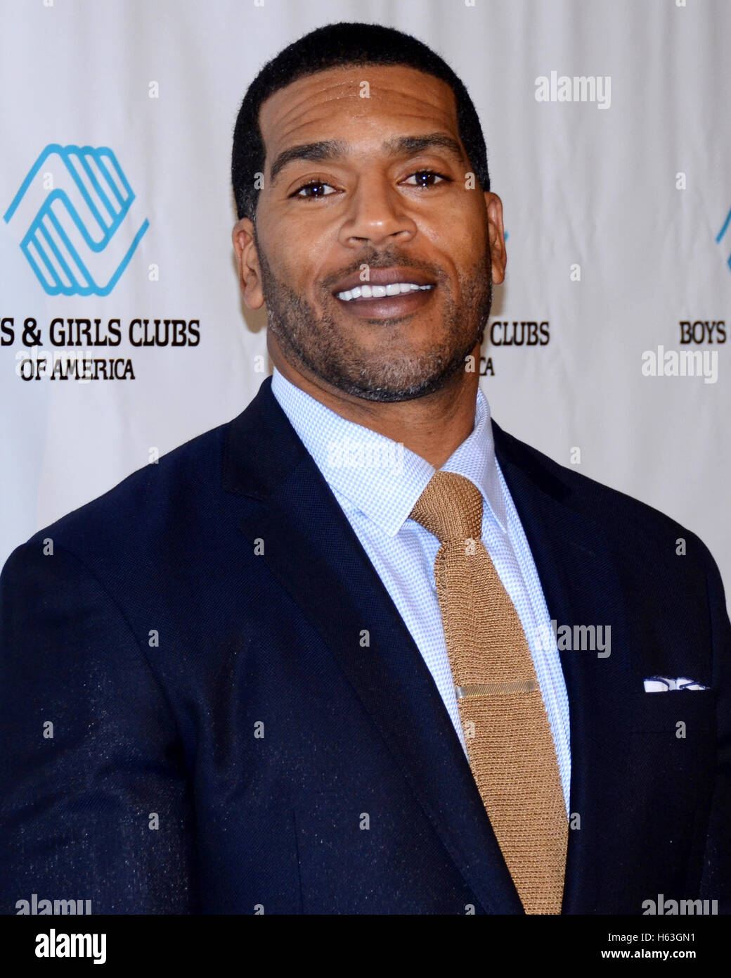 Sports Anchor Jim Jackson arrives at the 2015 Boys and Girls Club