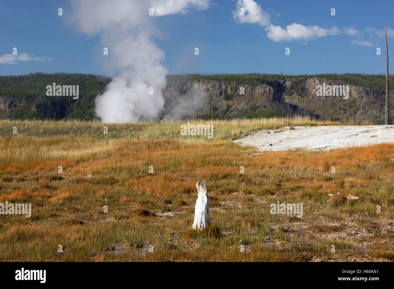 Yellowstone National Park Is A National Park Located Primarily In - Us national parks yellowstone