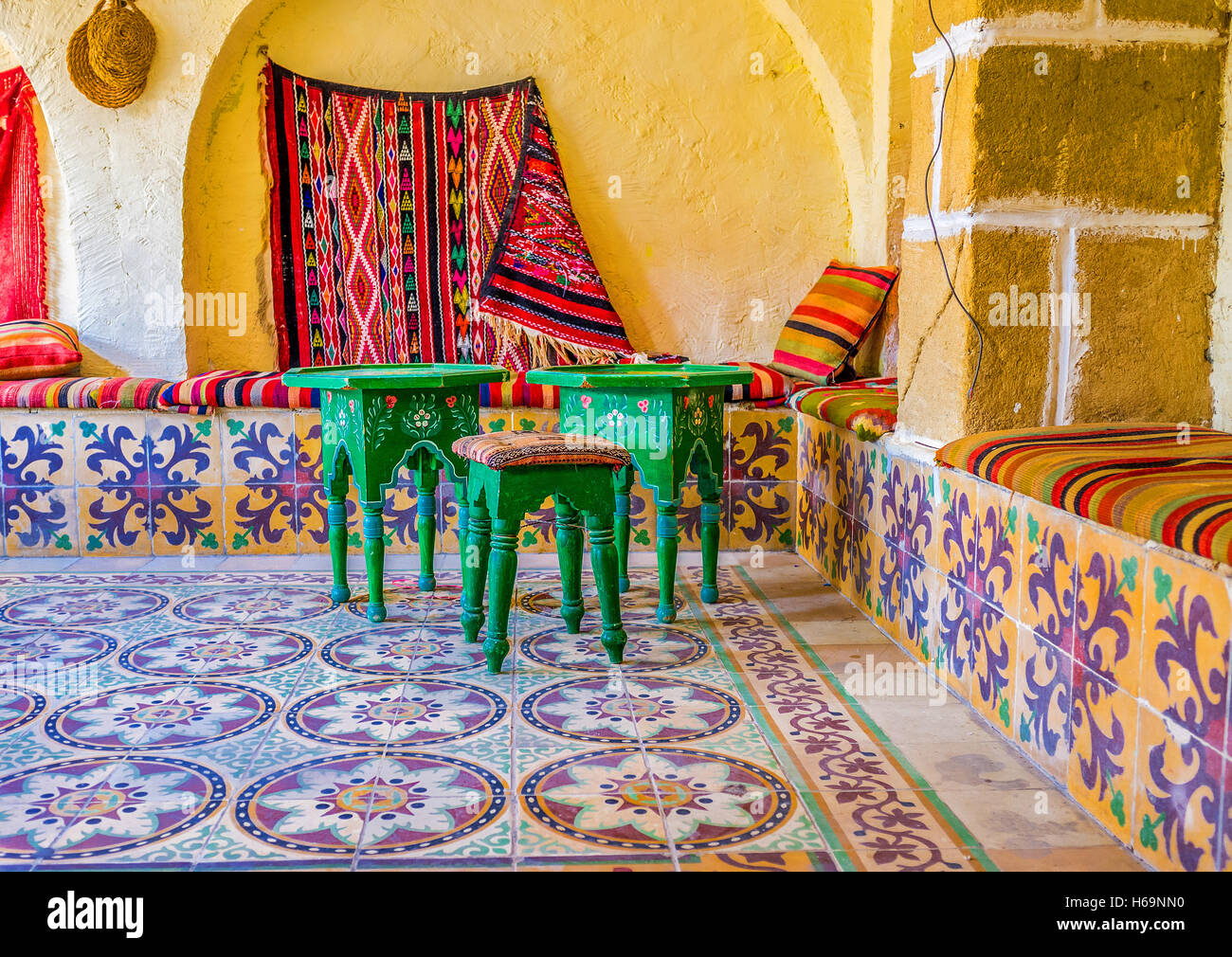 Magnificent 16X32 Ceiling Tiles Tall 18 Inch Floor Tile Round 18 X 18 Ceramic Tile 20 X 20 Floor Tile Patterns Young 24 X 24 Ceiling Tiles Brown3 X 12 Subway Tile The Interior Of Arabic Restaurant With The Beautiful Glazed Tile ..
