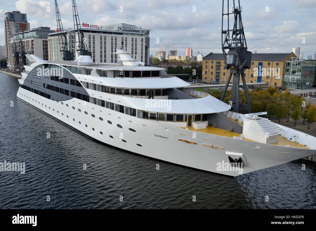 The Sunborn Yacht Hotel On Royal Victoria Dock In London's. Shangri-La Hotel Tokyo. Butua Residence. Hotel Enea. Boutique Bungalows. Palm Jumeirah Residences. Wrest Point Hotel. Trump International Hotel And Tower Toronto. Radisson Blu Hotel And Spa