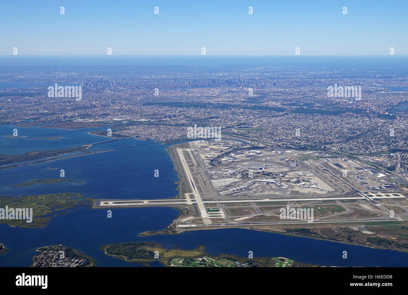 Aeroporto New York John F Kennedy : Aerial view of the john f kennedy international airport
