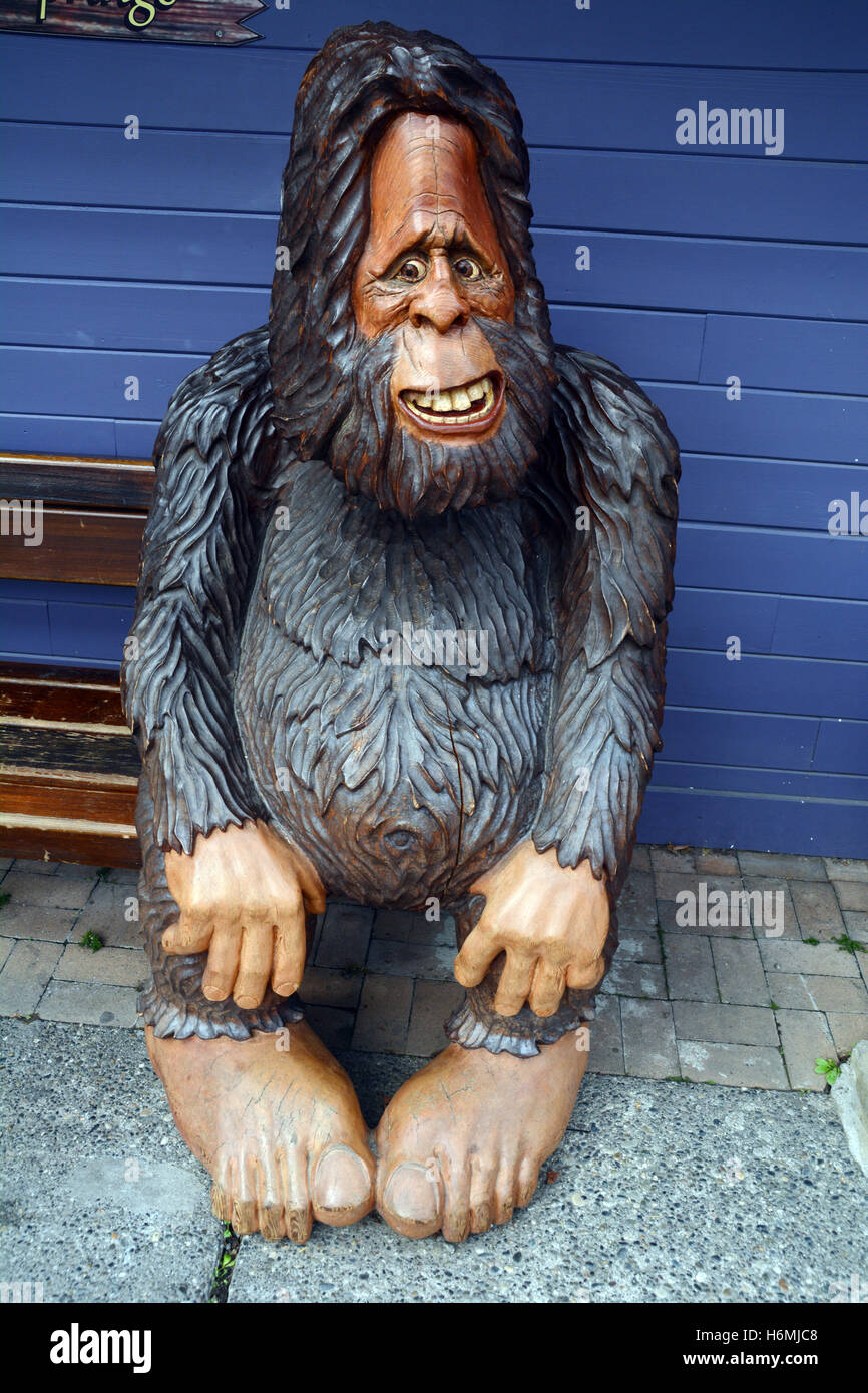 Bigfoot lawn ornament - A Statue Of The Creature Known As Bigfoot Or Sasquatch In The Wilderness Town Of Harrison Hot Springs British Columbia Canada