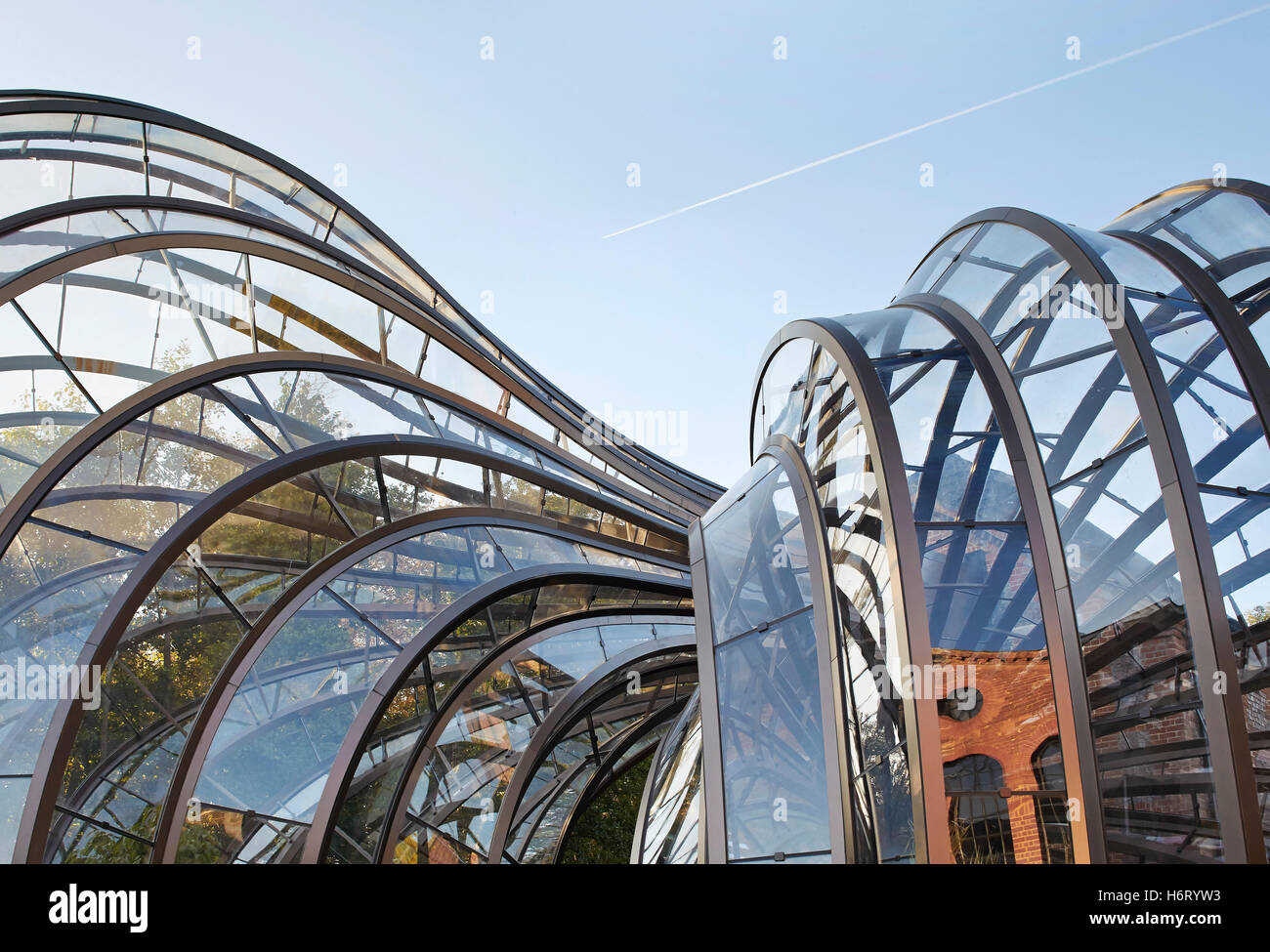 Curved Architecture Detail Of Curved Greenhouse Frame Bombay Sapphire Distillery