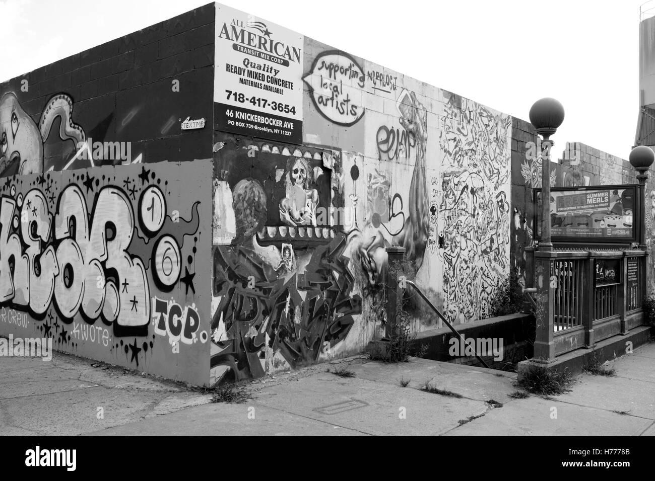 Graffiti wall usa - Graffiti Wall Mural Street Art Along Meserole St In The East Williamsburg Brunswick Section Of Brooklyn New York City Usa