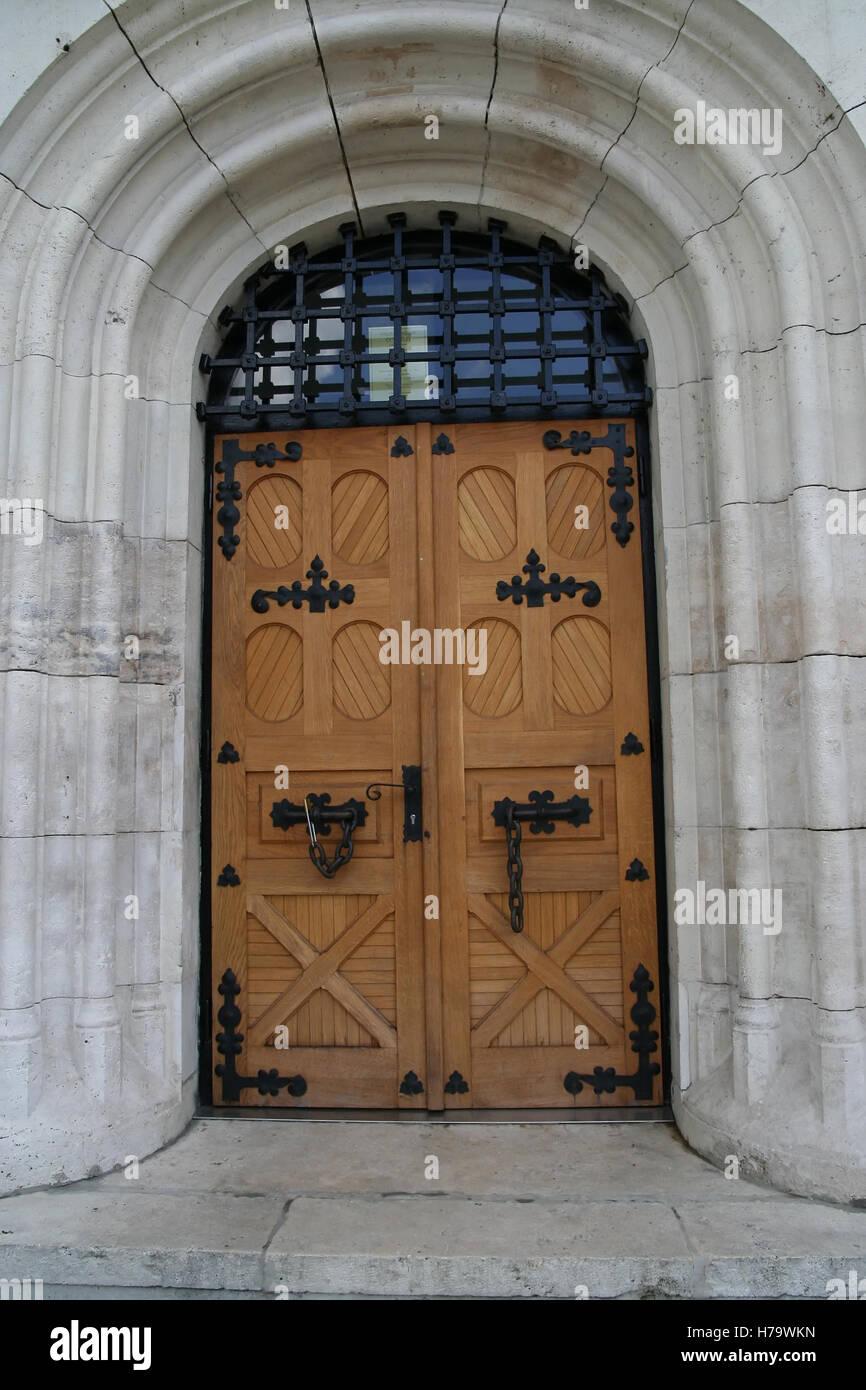 Texture - old clean decorated wood door 1 - Medieval Doors ...