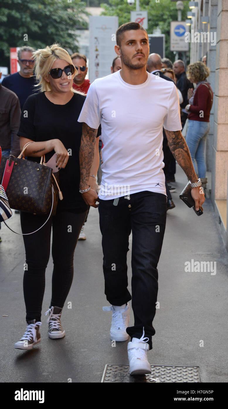 Mauro Icardi with his wife Wanda Nara shopping in Rolex shop