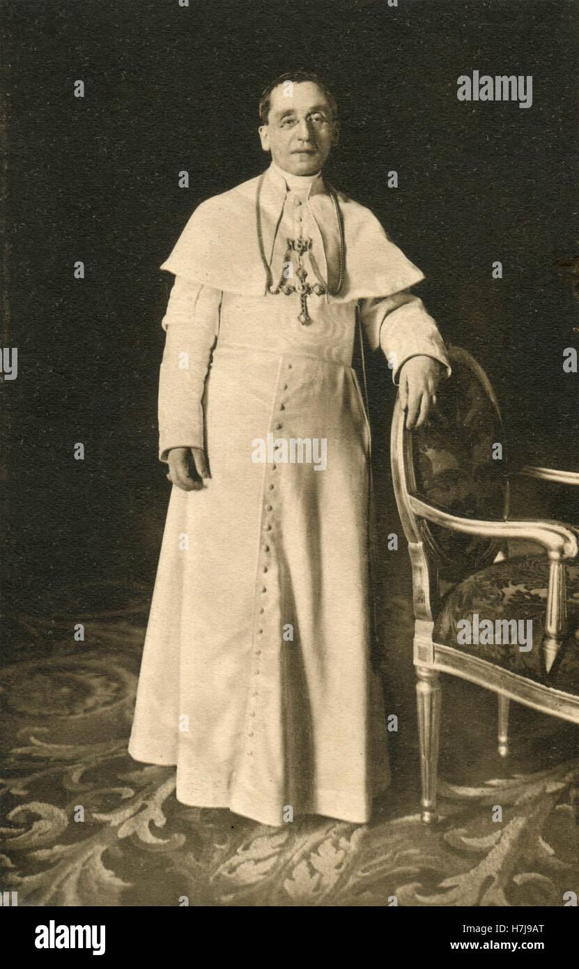 Pope pius xii essay