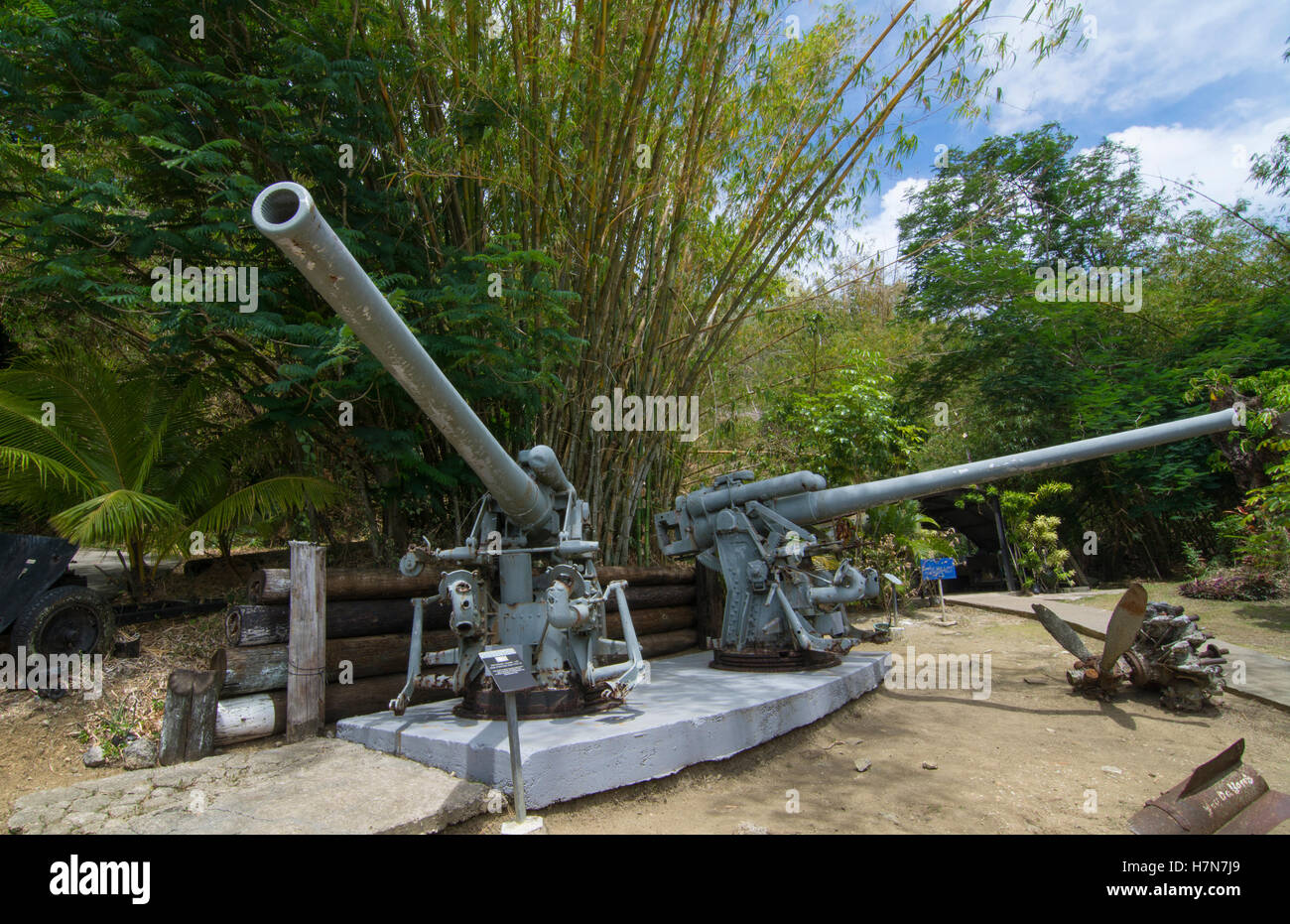 Guam USA Territory Pacific War Museum With Japanese  Mm Guns - War museums in usa