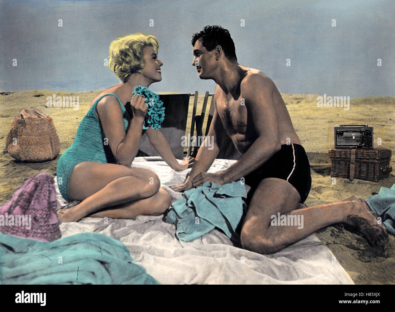 ein pyjama f r zwei lover come back usa 1961 regie delbert mann stock photo royalty free. Black Bedroom Furniture Sets. Home Design Ideas
