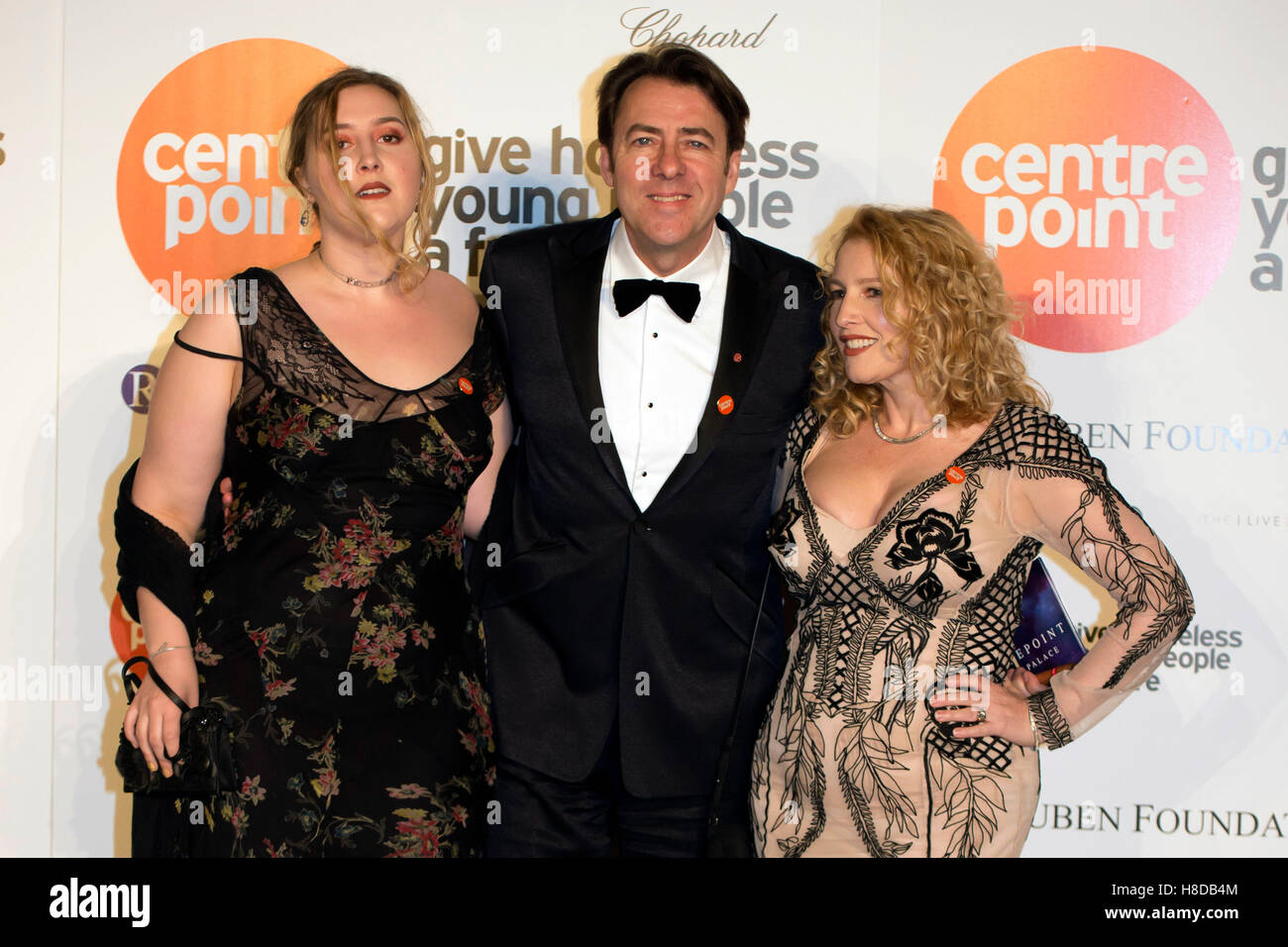 Jonathan Ross arrives with his wife Jane Goldman (right ...