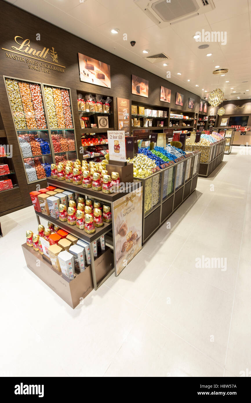 Lindt Chocolate store Stock Photo, Royalty Free Image: 125942750 ...
