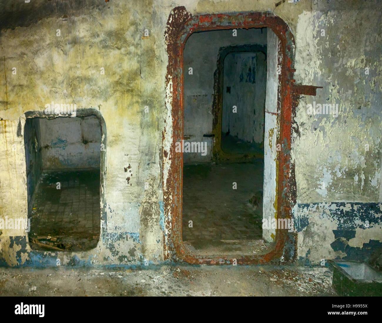 borderlands 2 how to open bunker door