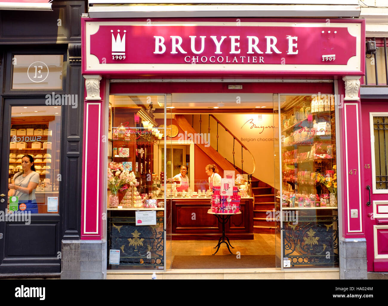 Bruyerre Belgian Chocolate Shop, Grand Place, Market Square Stock ...