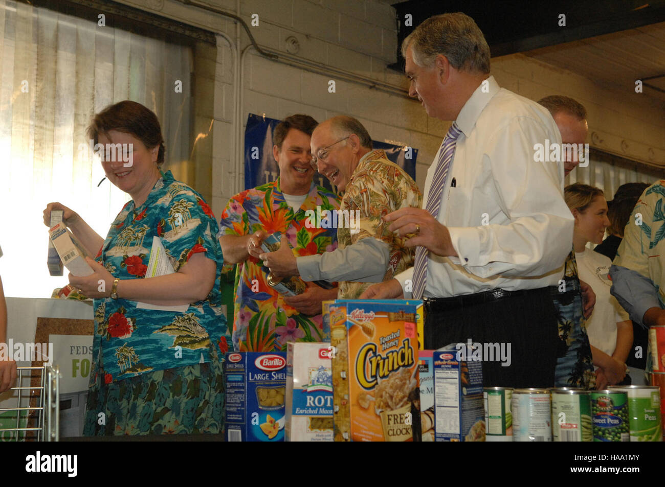 Us Cabinet Secretaries Usinterior 3940607439 Cabinet Secretaries Lend A Helping Hand For