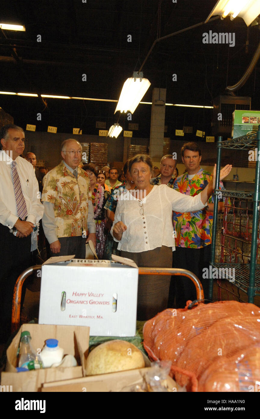 Us Cabinet Secretaries Usinterior 3940607829 Cabinet Secretaries Lend A Helping Hand For