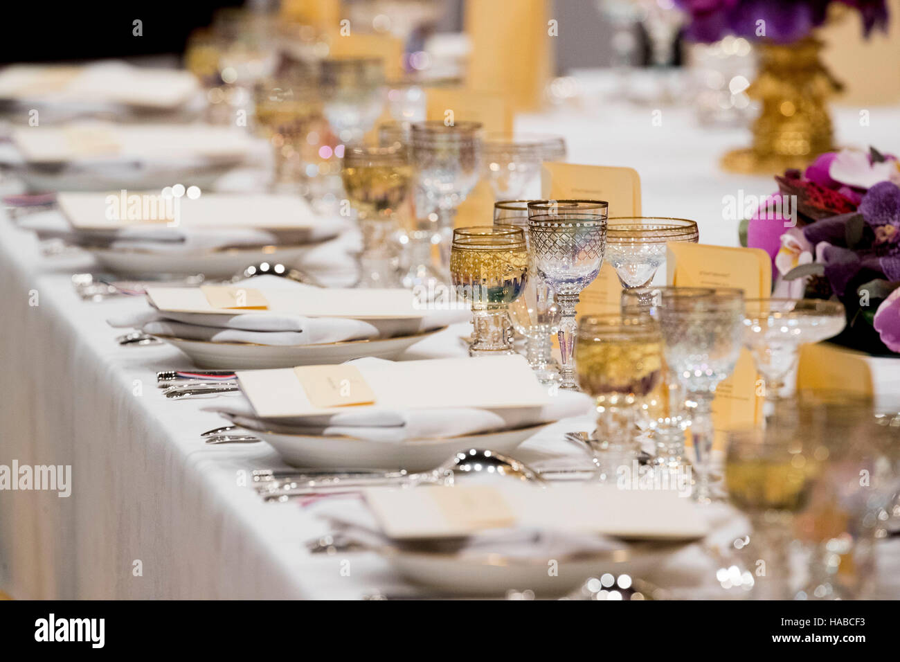 Royal Banquet Table Setting | www.pixshark.com - Images ...